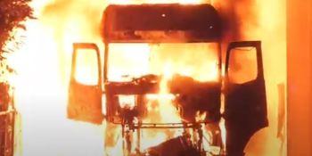 Un camionero en coma por el incendio de la cabina mientras dormía