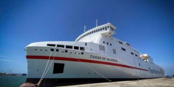 Naviera Armas Trasmediterránea estrenó el ferry Ciudad de Valencia en la línea Cádiz-Canarias