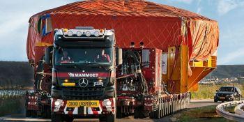 Scheuerle con Trailer Power Assist ahorra cuatro tractoras en un transporte