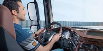 Adecco busca 100 conductores/as en una de las empresas más importantes del sector del transporte de mercancías