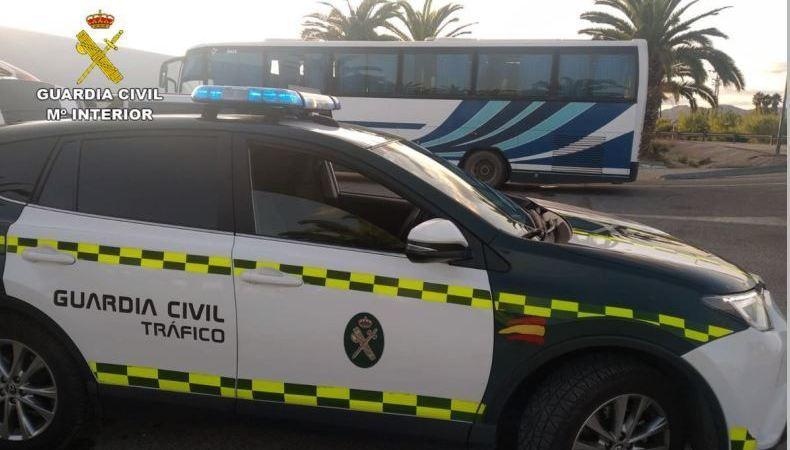 Denunciado un conductor de autobús que casi triplicaba la tasa máxima de alcohol