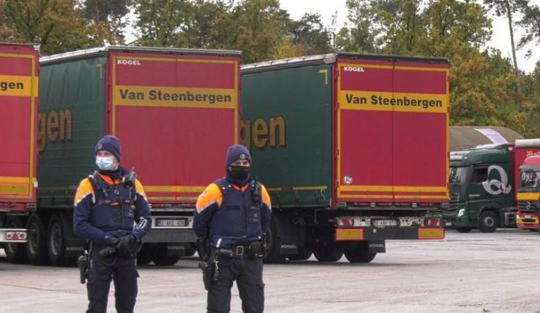 Registro policial en la empresa Van Steenbergen, los conductores cobraban 600 euros al mes
