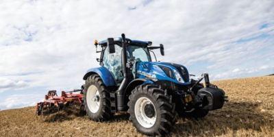 New Holland presenta el Holland Dynamic T6 160