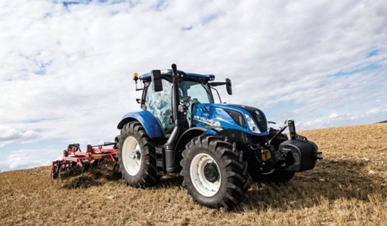 New Holland presenta el Holland Dynamic T6 160