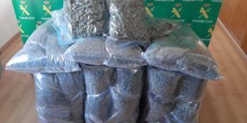 Detenidos por transportar 44 kg de marihuana en un camión que había sido robado