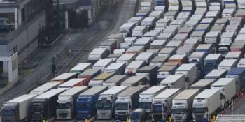 CETM reclama que intervenga el Gobierno y vuelvan los camioneros atrapados en Francia y Reino Unido