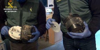 Desarticulada una organización dedicada a la manipulación de tacógrafos. Fotos