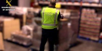 La Guardia Civil interviene más de 225.000 botellas de ron falsificadas introducidas en España