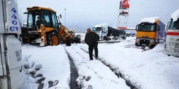 Liberados mil conductores atrapados en carreteras de Madrid por el temporal