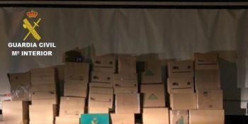 Detenido un camionero que transportaba 402 kg de marihuana escondida