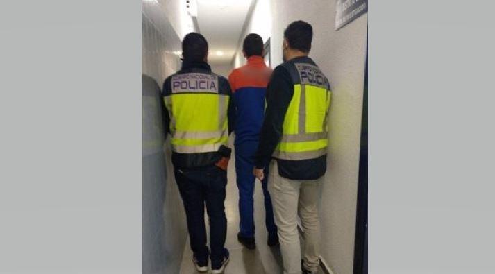 Detenido un repartidor de una empresa de logística por el robo de paquetes en Alicante