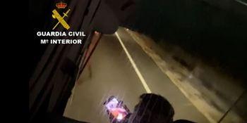Investigado un conductor de autobús que recorrió 33 kilómetros utilizando el móvil