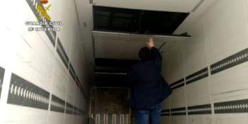 Desmantelado el mayor taller clandestino de España dedicado a fabricar dobles fondos