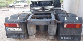 ¡Alerta camion robado!, Renault blanco matrícula 4904-DTY