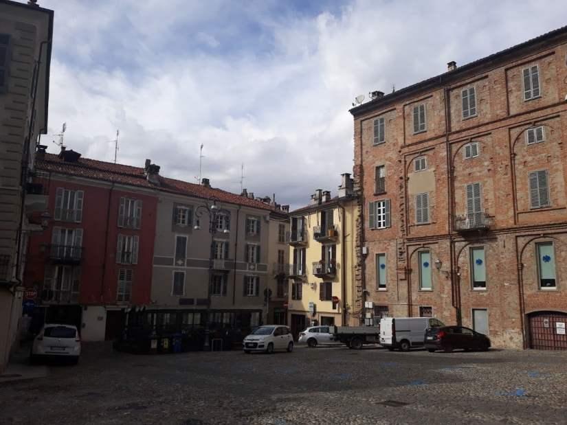 geocaching a Mondovì: piazza Roma