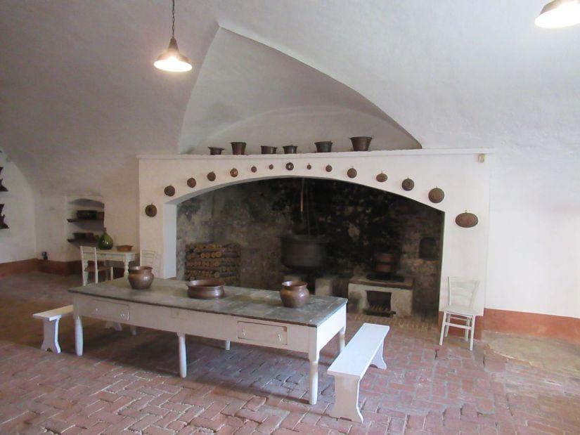 la cucina del castello della Manta