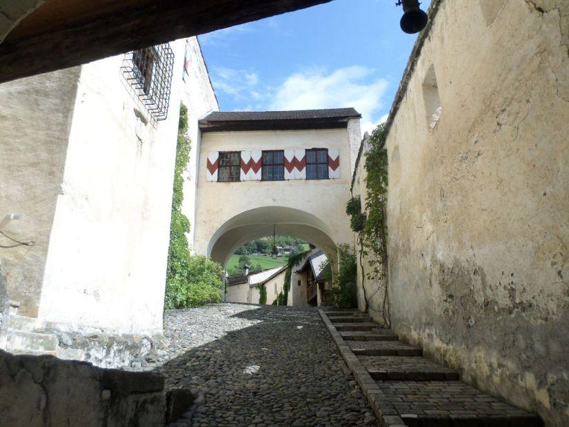 cortile interno di Castel Coira
