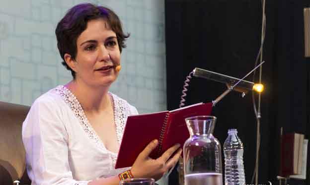 Entrevista a la Poeta Verónica Aranda