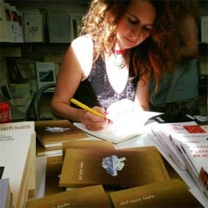 Adriana Hoyos Escritora y Cineasta