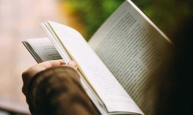 Booktubers: La emoción de promocionar los libros