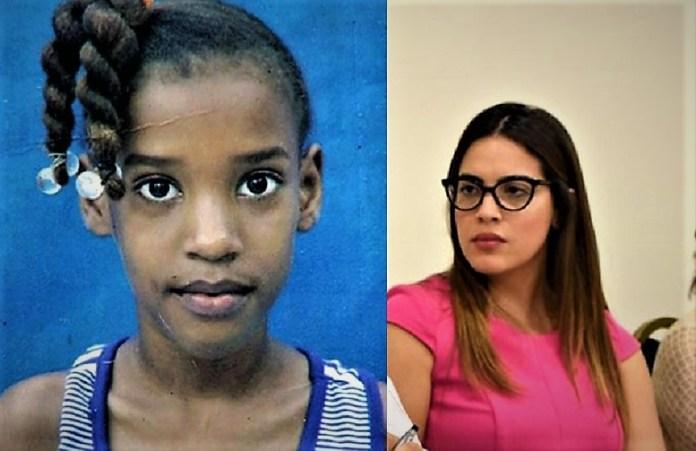 La niña Carla Massiel y Liliana Santana