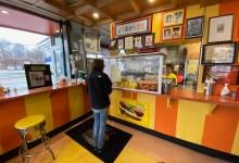 Photo of Woofies: Restaurante de Perritos Calientes vende su millonésimo Perrito