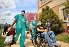Photo of Hospitalizaciones por el COVID-19 en St.Louis vuelven a bajar mostrando tendencia de mejora.