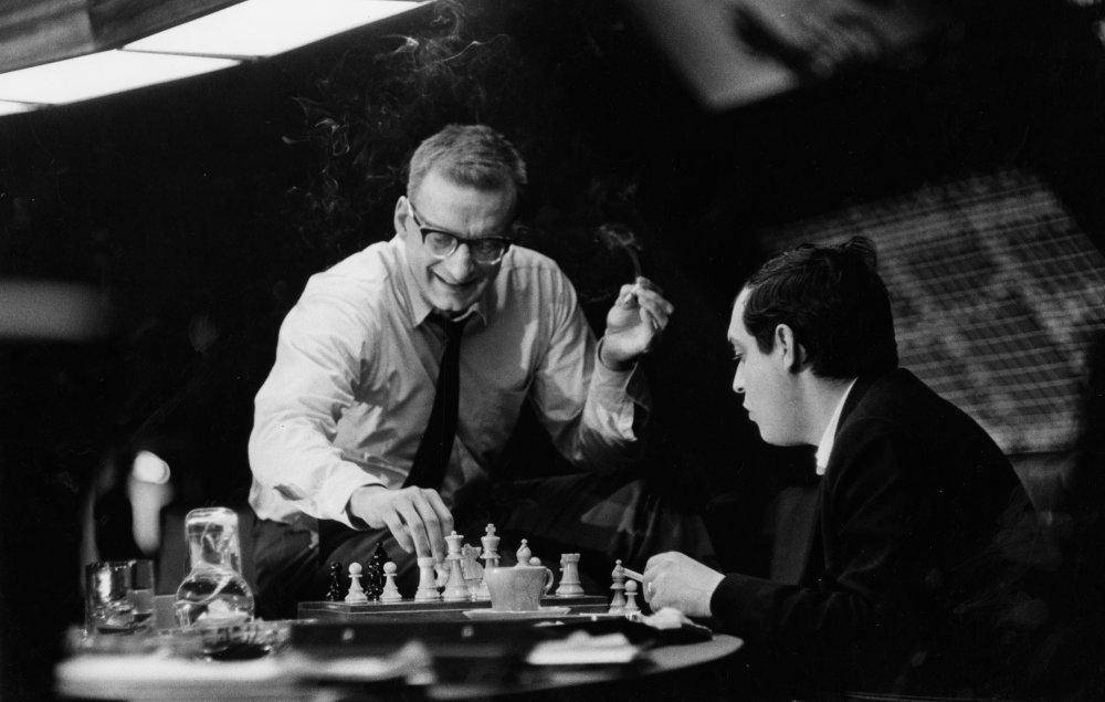 Dr. Strangelove, Stanley Kubrick gioca a scacchi sul set con George C. Scott