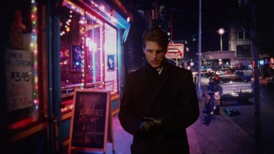 Eyes Wide Shut, Tom Cruise vaga per le strade di New York