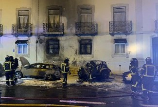 Photo of PJ deteve suspeito de incendiar viaturas em Belém que já estava sob prisão domiciliária