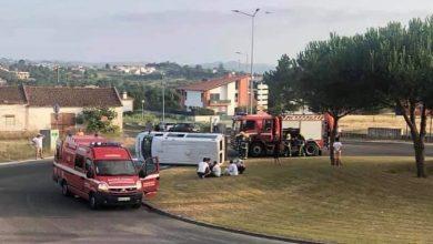 Photo of Dois feridos ligeiros em despiste de ambulância nas Caldas da Rainha