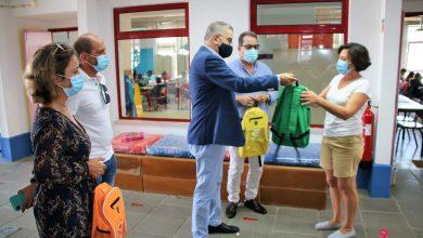 Photo of Autarquia de Alcácer ofereceu cadernos de atividades e mochilas aos alunos