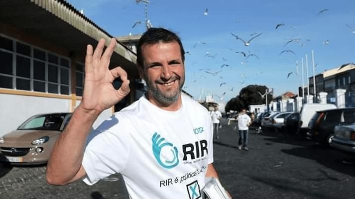 Tino de Rans apresenta candidatura às Presidenciais nos Jardins do Palácio  de Cristal - Diário Distrito