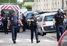 Photo of Mais dois ataques: Um à embaixada de França na Arábia Saudita e outro à polícia francesa