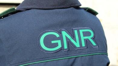 Photo of GNR deteve homem de 51 anos em Fernão Ferro por violência doméstica