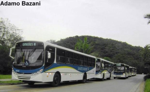 Desfile de ônibus O km entregues em Santo André pela Expresso Guarará no ano de 2009