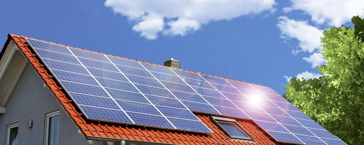 35e9b485301 BNDES autoriza financiamento de sistemas de energia solar para pessoas  físicas e ônibus elétricos permanecem com juros a partir de 4