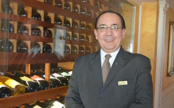 Freitas, maître do restaurante Terraço Itália: 'Eu nunca páro de aprender'
