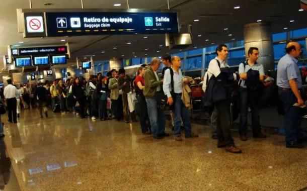 Novas rotas aéreas internacionais movimentam buscas por hospedagem no exterior