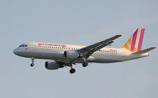 Acidente nos Alpes muda acesso à cabine dos aviões comerciais