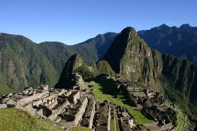 Brasileiros vandalizam Machu Picchu E são proibidos de visitar pais inca por 15 anos