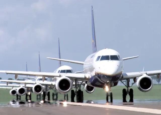 Demanda por voos domésticos recua 4% em janeiro