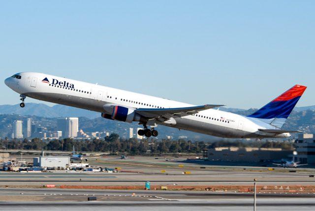 Receita da Delta Air Lines cai 9,5% em agosto após voos cancelados