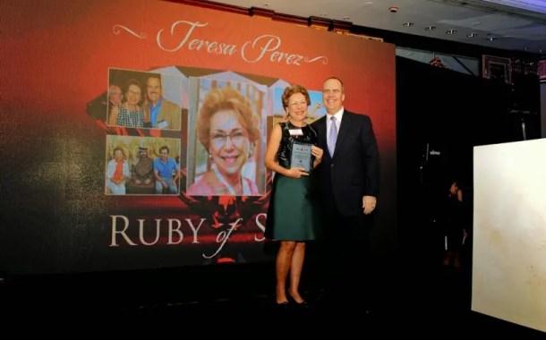 Teresa Perez ganha o prêmio