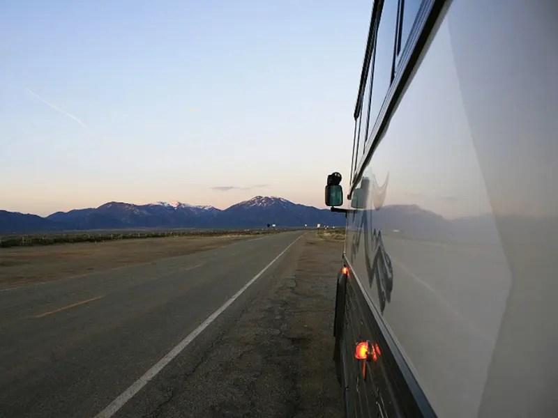 Com aumento do dólar e da gasolina, ônibus é mais procurado