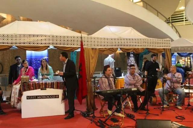 Oportunidade até domingo (29) de conhecer a verdadeira cultura marroquina: pintura de hena, a hennayate, a arte da caligrafia com o famoso calígrafo Filali Baba, o artesanato marroquino e o grupo de música marroquina El Mesaaoudi