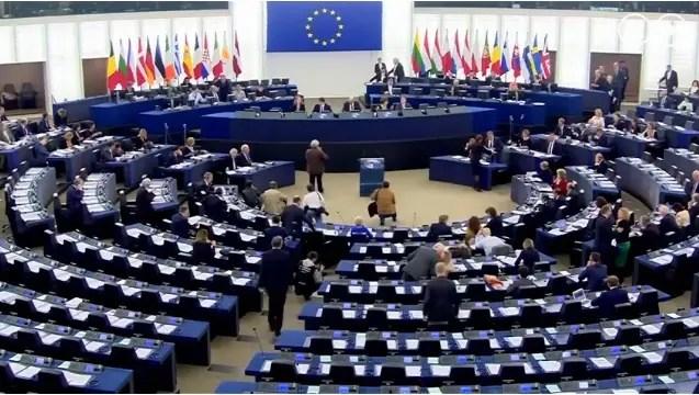 União Europeia fará cadastro de passageiros aéreos para combater o terrorismo