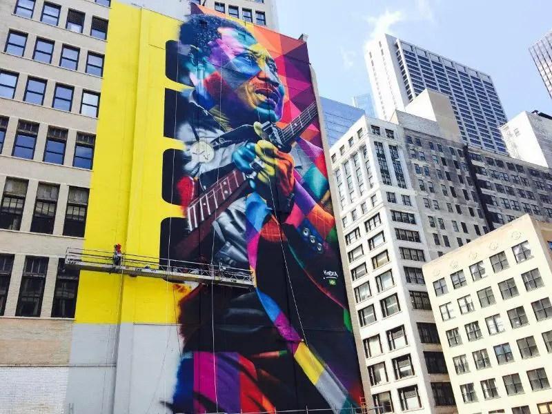"""Eduardo Kobra finaliza nos EUA o mural Muddy Waters, o """"Pai do Chicago Blues"""""""