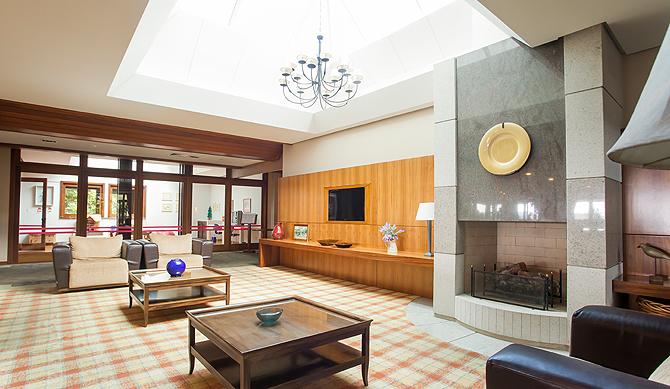 Com uma estrutura completa o Serra Alta Hotel possui amplos e modernos ambientes de estar, lazer e trabalho (Foto: divulgação)