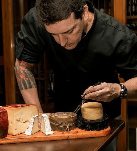 Choperia São Paulo promove degustação harmonizada com cerveja e queijo